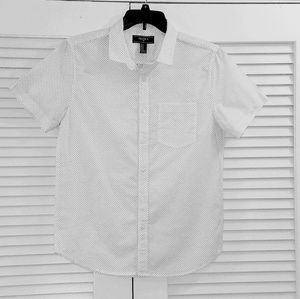 NWT. Forever Men's Shirt. Size :M